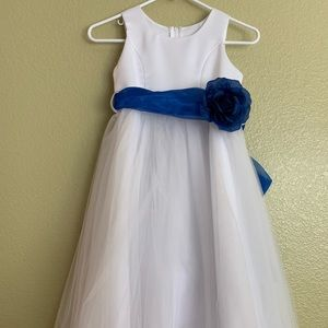 Other - White flower girl dress with navy bow tie size 8